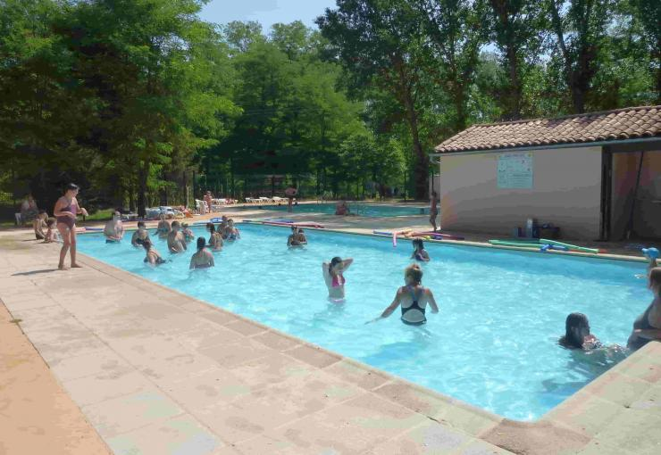 swimming pool at camping la bastide
